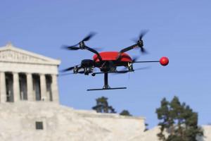 Scarabot X8 bei einem Inspektionsflug an der Walhalla bei Regensburg Foto Globe Flight GmbH