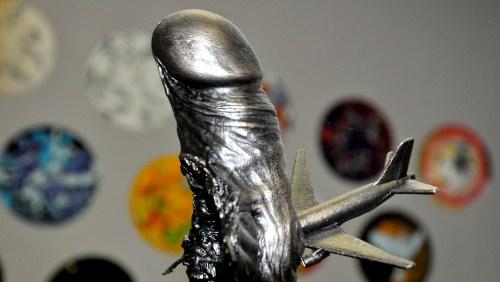 Bronze penis1