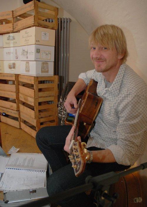 Liedermacher Achim Weinzen; Foto: Thomas Vatheuer
