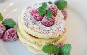 Leckere Himbeer-Vanille-Pfannkuchen