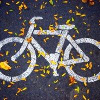 Polizei kontrolliert Fahrräder in der Innenstadt von Trier
