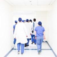 Ärzte Krankenschwester Kampf Corona