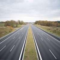 Radarmesseinrichtung der Polizei an der Autobahn beschädigt