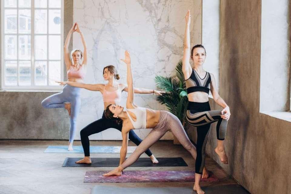 Freiluft Yoga in den Trierer Kaiserthermen