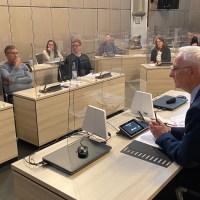 Der Krisenstab unter dem Vorsitz von OB Wolfram Leibe tagt im Rathaussaal. Foto: Presseamt Trier