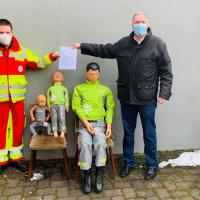 "Andreas Steier übergab den Förderungsscheck an den Verein ""Schnelle adäquate Hilfe Lampaden/Pellingen e.V."" Bildquelle: Andreas Steier"