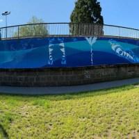 Das Bild zeigt, die künstlerisch gestaltete Hochwasserschutzmauer des NOrdbades in Trier. Foto: Presseamt Trier