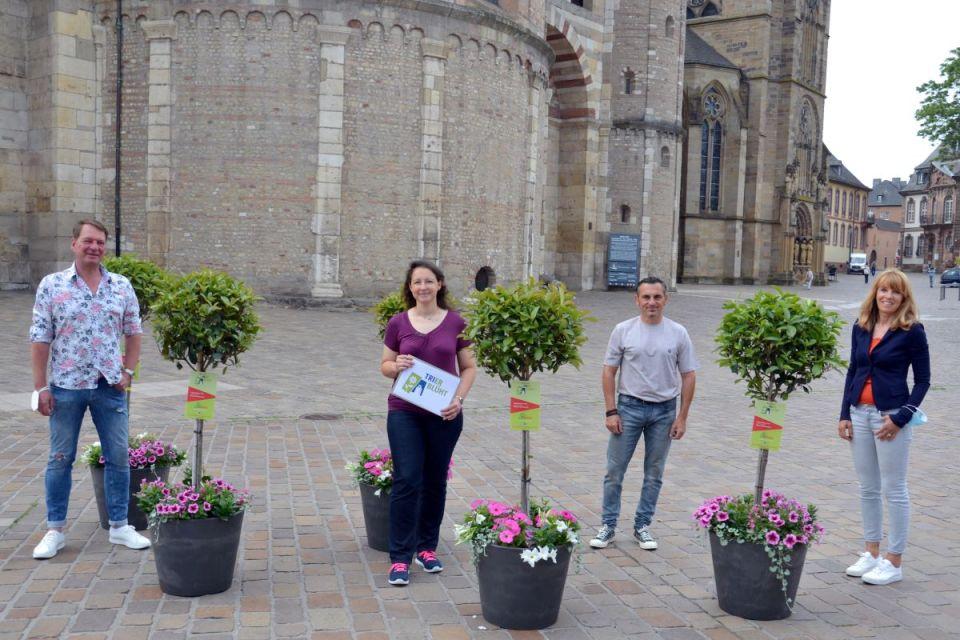 v.l.: Patrick Sterzenbach, Jennifer Schaefer (beide CIT), Michael Wöffler  (Verkehrstechnik Wöffler) und Anja Bösen (Bösen Pflanzenwelt). Bildquelle: CIT