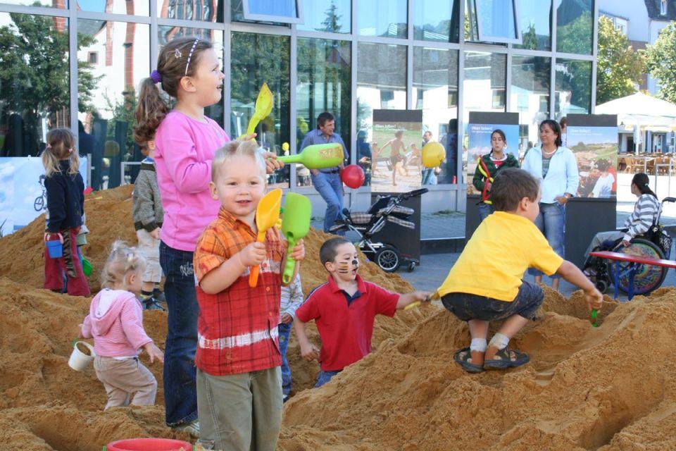 Bei TRIER SPIELT wird die Innenstadt zum großen Spielplatz. Bildrechte City-Initiative Trier