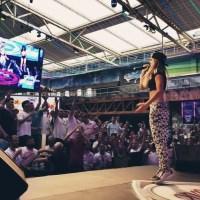 minnie rock auf der Bühne im Megapark auf Mallorca. Bildrechte: minnie rock