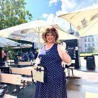 Betty Bacon tritt auf dem Sommerfest auf. Bildquelle: Alex Rollinger