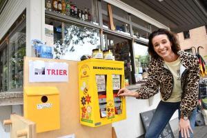 Bienenfutterautomat im Palastgarten aufgestellt