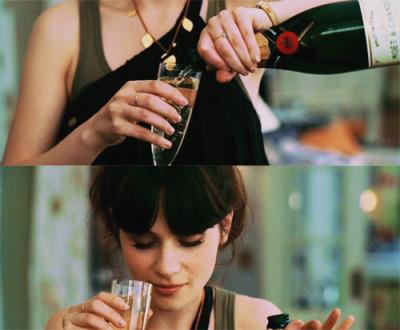 zooey-deschanel-champagne