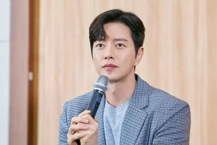 Park Hae Jin Shares Excitement About Starring In First Romantic Comedy Drama Since His Debut