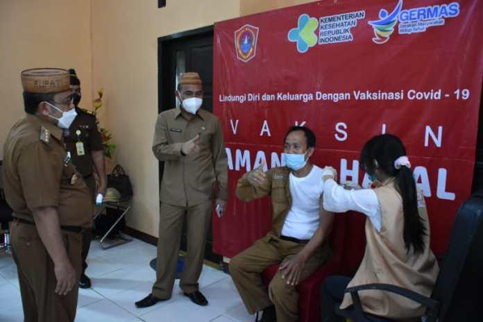 Vaksinasi Covid-19 di Gorontalo Utara Diberikan Kepada Pejabat Publik