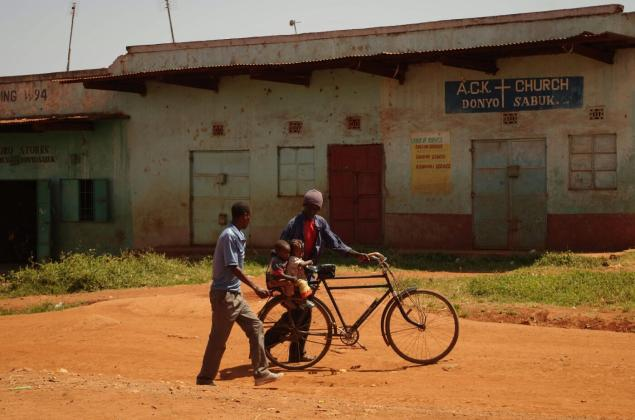 babes-on-bike-kenya-donyo-0612