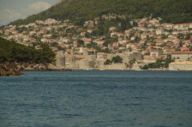 The fortress of Dubrovnik seen from the sea. Massive walls and towers guaranteed that would-be conquerors thought twice before an attack.