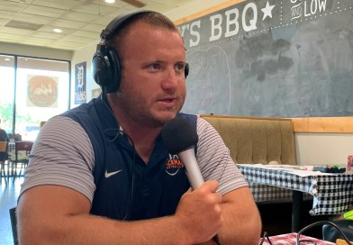 "615 Preps Podcast: Scott Burton's ""Coaches and 'Cue"" with Kit Hartsfield"