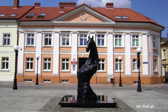 Konin,_pl._Wolności_10_(dawny_Hotel_Litewski)