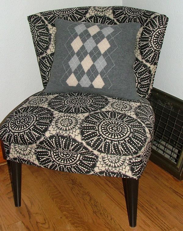 chair+pillow