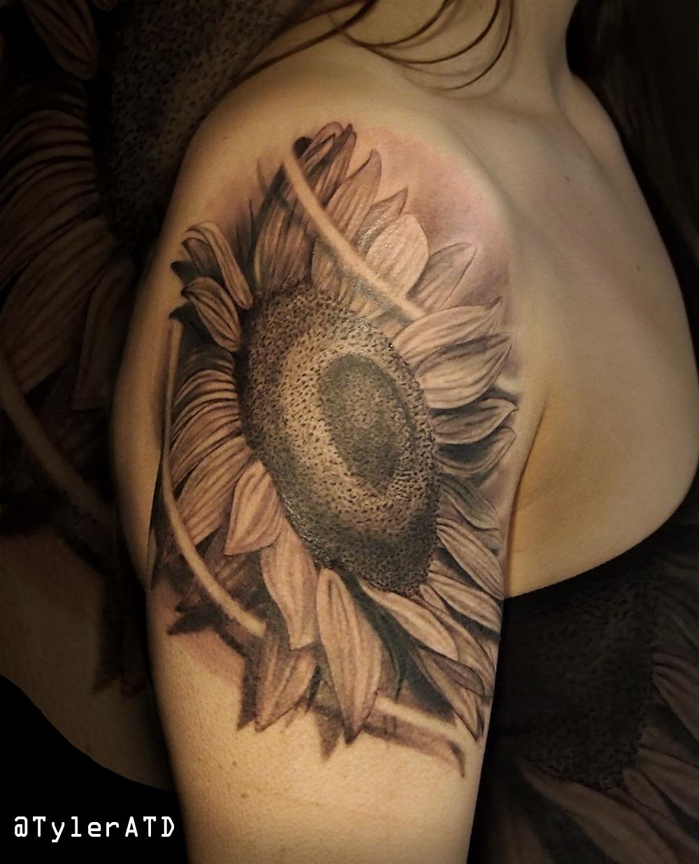 Sunflower Tattoo Tumblr : sunflower, tattoo, tumblr, Tyler, Tattoos, Realistic, Black, Sunflower, Tattoo....