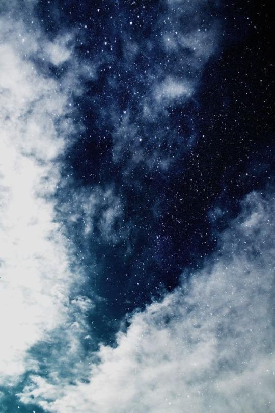 Dark Blue And White Aesthetic : white, aesthetic