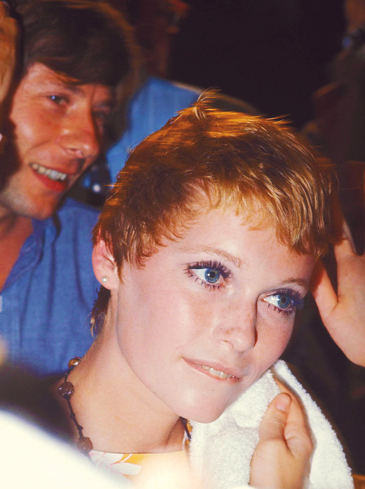 Rosemary's Baby Haircut : rosemary's, haircut, Tannis, Anyone?, Farrow, Having, Vidal, Sassoon...