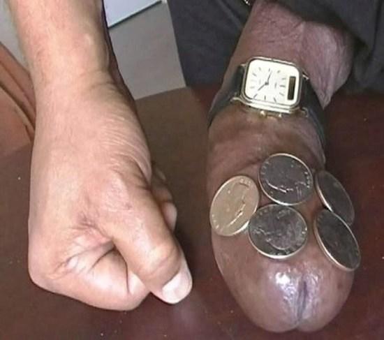 picão com moedas e relogio