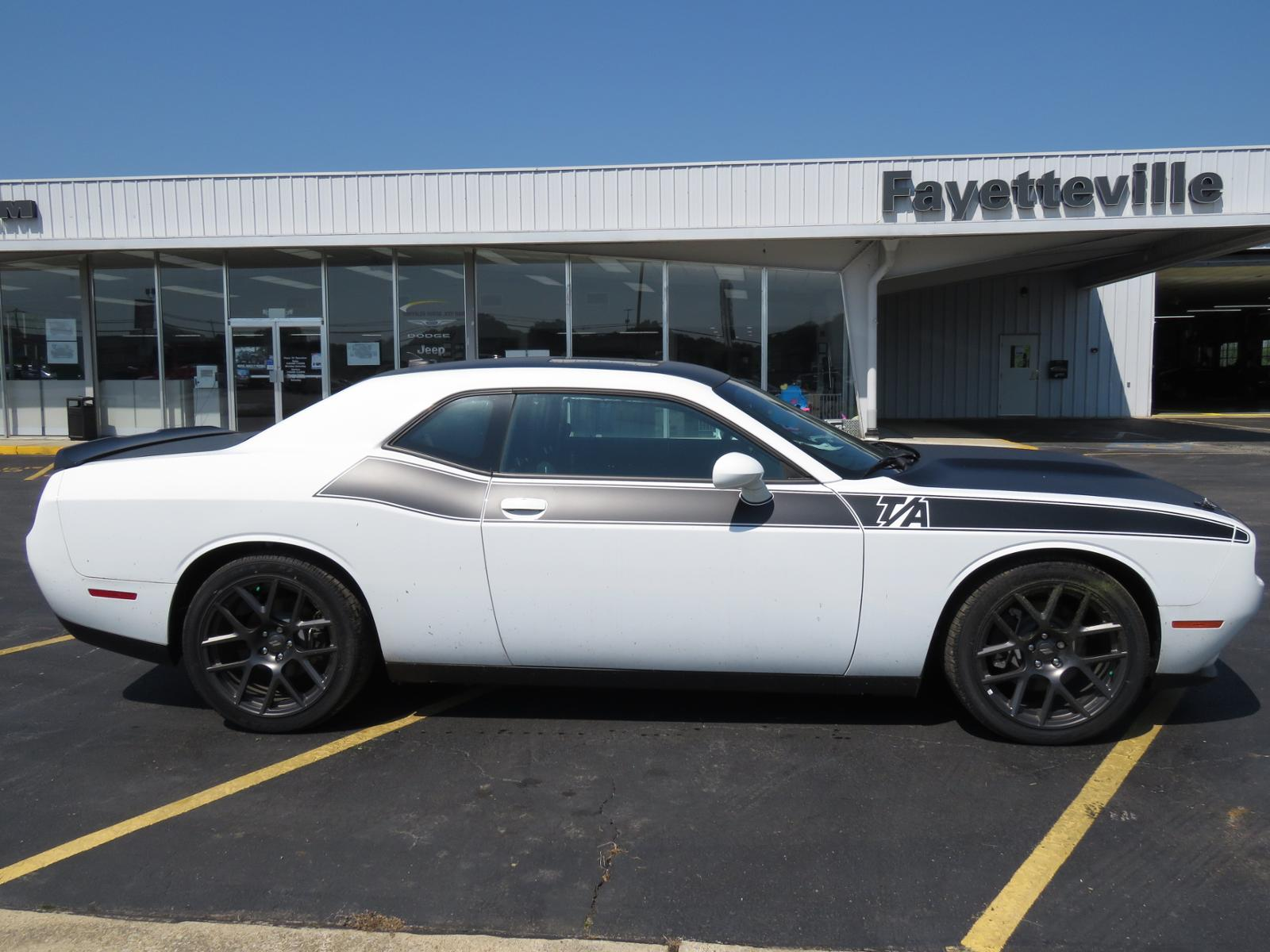 hight resolution of new 2018 dodge challenger r t