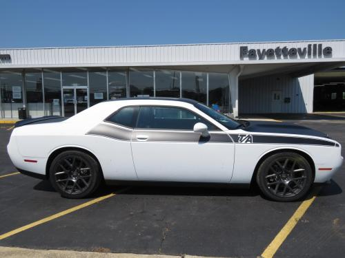 small resolution of new 2018 dodge challenger r t