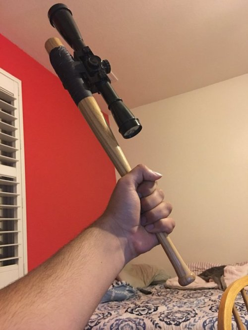 Long range melee weapon