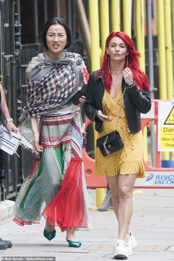 Dianne & new pro Nancy arriving for SCD 2019 rehersals