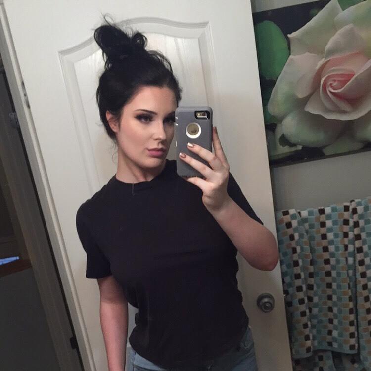 brunettebabi is brand spanking new around here, show her some love :)