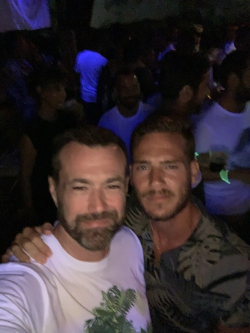H meets Gabriel  @jongasca & @gabrielitoboy 1