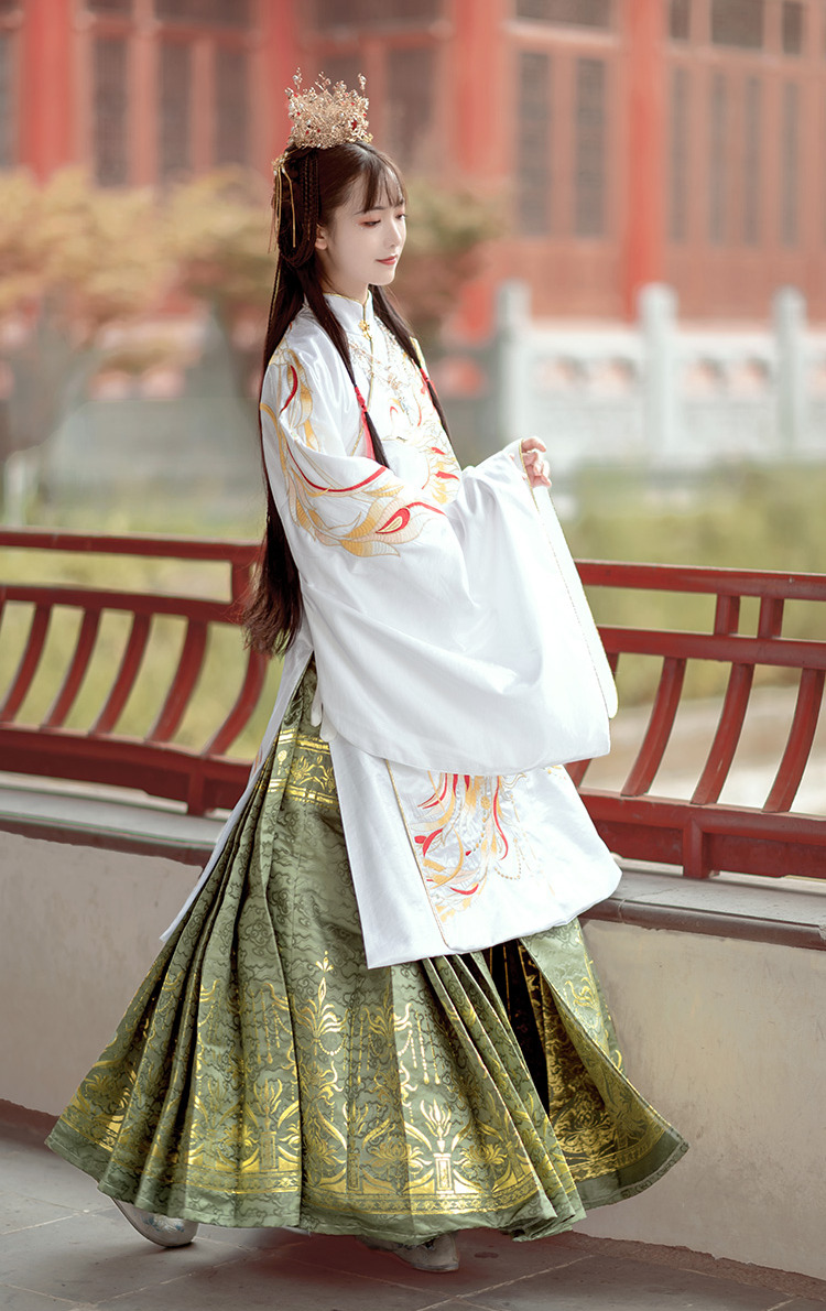 The Chinese who is fascination ~ ASIAN ~ — 長袖刺繍漢服 中華服刺繍漢服