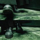 Proof that Neo from the Matrix runs on Arch. Check the straps on his boots!