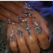 nails money