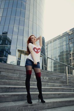 hotcosplaychicks:  MaryJane in life by GrangeAirCheck out http://hotcosplaychicks.tumblr.com for more awesome cosplay