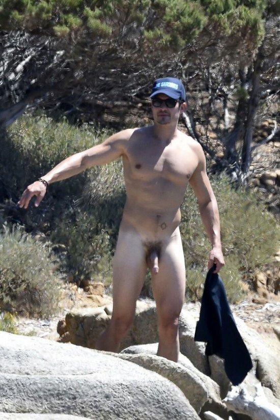Orlando Bloom completamente pelado despido com pau de fora