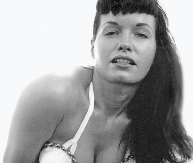 Bettie Pagephotoshootbeautifulgorgeousiconiclegendaryclassic Beautybrunettepinuppin Uppin Up Girlpin Up Modelbettiepagebettie Mae Page