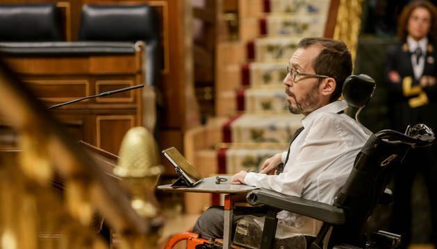 Un diputado sin identificar interrumpe a Echenique durante el debate sobre la ley de eutanasia: «Es repugnante que tú defiendas esto»