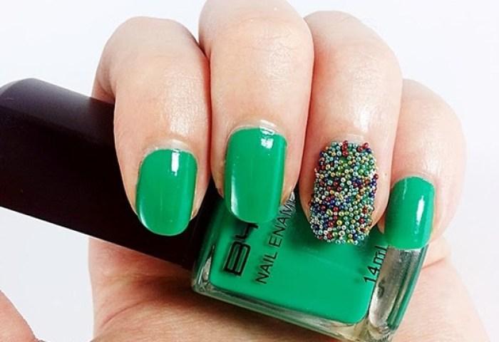 Decoración De Uñas Nails Uñas Decoradas Con Caviar De Colores