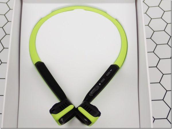 Yahoo奇摩新聞頻道重量級企劃 - 3C大事紀 — AfterShokz 骨傳導藍牙運動耳機 街跑聽音樂更安全