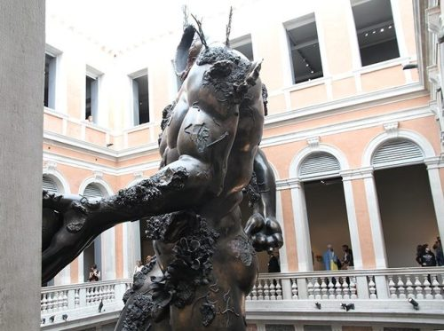 tumblr_oqrki0BY6l1qfc4xho4_500 Damien Hirst, Venice underwater fantasy exhibition, Treasures,... Contemporary