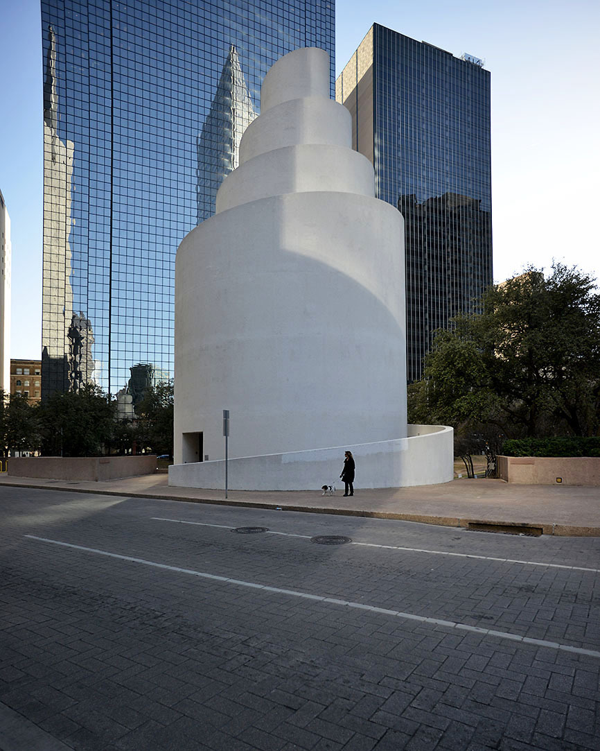 A subjective atlas of modern architecture Thanksgiving