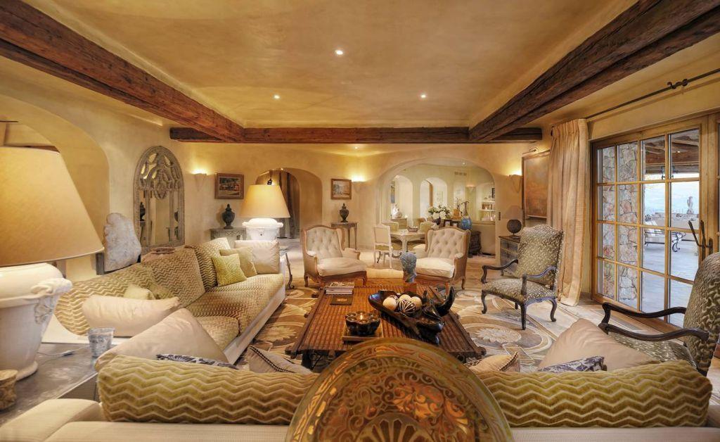Luxury Villa Hotel in Cannes Combining 5 star