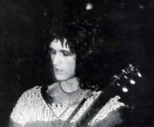0f6ed18518e Queen: Brian May with makeup! They was glam! … – Glamrock