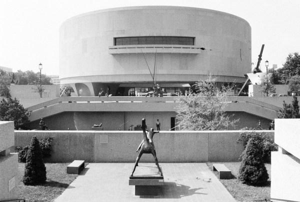 German Post-war Modern Hirshhorn Museum And Sculpture
