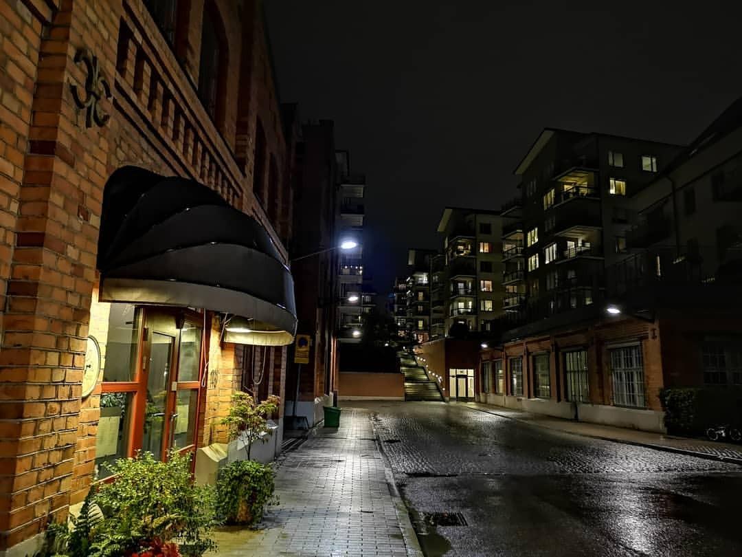 雨に濡れるストックホルム (Lux Dag för Dag)https://www.instagram.com/p/Bn_9PAHhCTF/?utm_source=ig_tumblr_share&igshid=5jnxkcfyxf7r