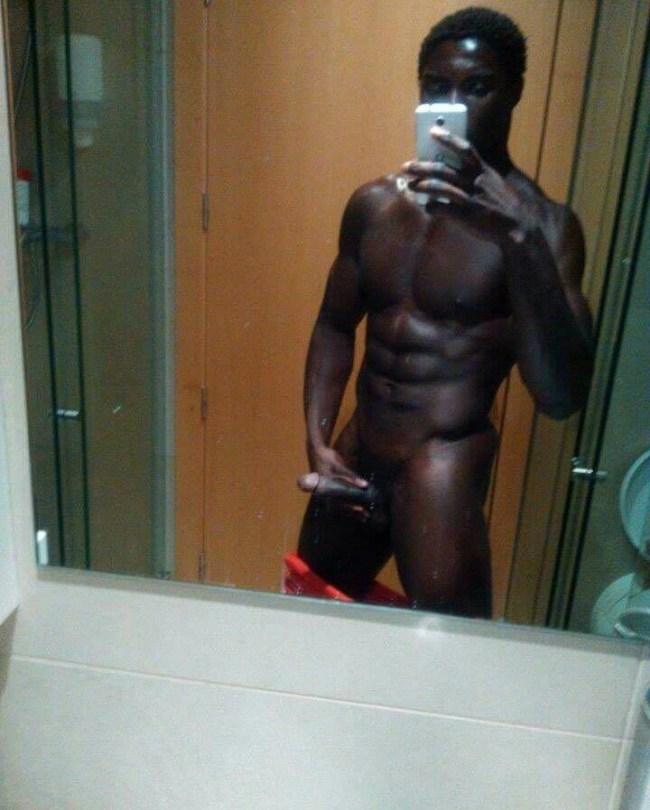 Célio Dias atletas pelados nus